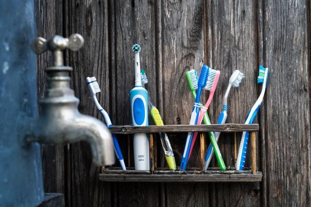 como elegir el cepillo de dientes mas adecuado