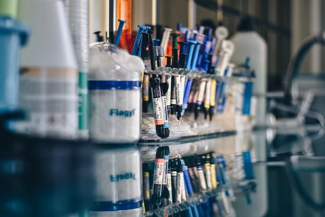 caracteriticas de los materiales de obturacion dental