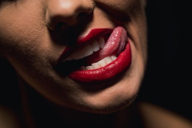 como es el proceso de contorneado dental estetico