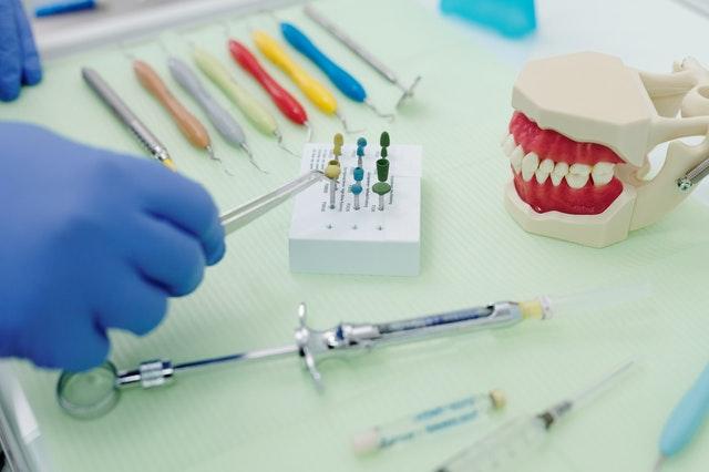 colocacion protesis dentales